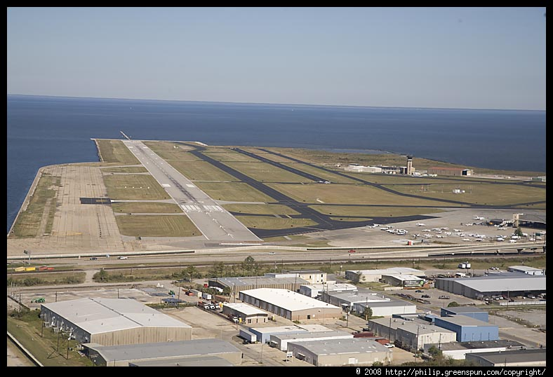 new-orleans-lakefront-airport runway
